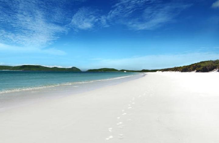 Whitehaven_Beach.jpg